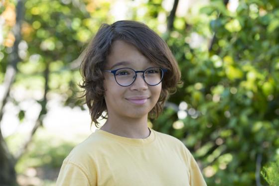 Wearing Eyezen lenses to correct nearsightedness