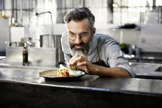 Chef wearing varifocal lenses