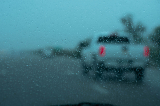 Unclear windscreen due to rain and snow
