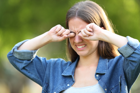 Pregnant woman suffering from dry eye syndrome